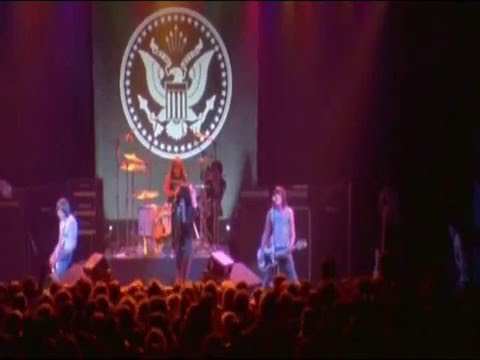 Ramones - Now I Wanna Sniff Some Glue Live