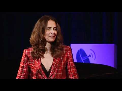 TEDxDanubia 2011 - Carin King - Style Without Mirrors