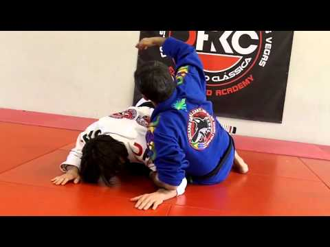 Jiu Jitsu Techniques - Armbar From Guard Image 1