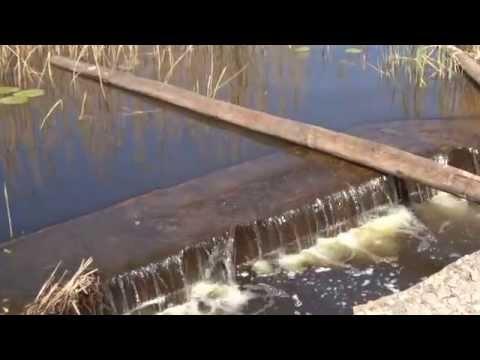 круглое озеро рыбаки застройка