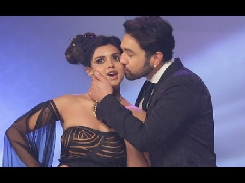 media sara loren kiss