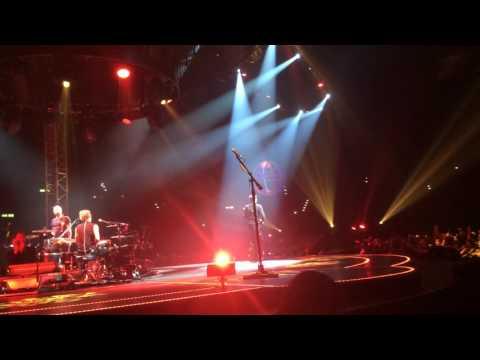 Muse - Supermassive Black Hole, live@Hallenstadion, Zurich