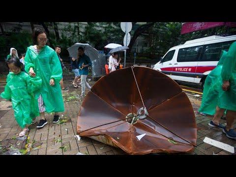 파도에 휩쓸리고 강풍에 날아가고…홍콩 태풍 피해 속출 / 연합뉴스TV (YonhapnewsTV)