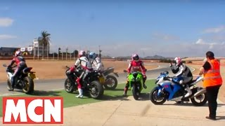 Yamaha R1 v Honda Fireblade v Suzuki GSX-R1000 v Kawasaki ZX-10R v Ducati 1198