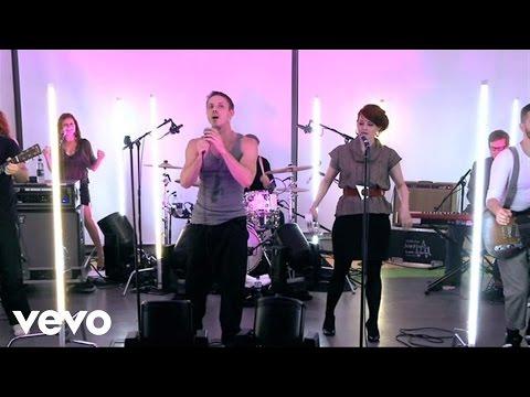 Scissor Sisters - I Don't Feel Like Dancin' (Live)