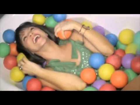 Shakira Rabiosa Español Video Oficial 360p video
