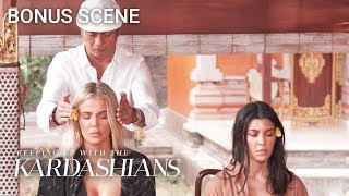 Spiritual Guru Tells Khloe and Kourtney What Their Flaws Are | KUWTK Bonus Scene | E!