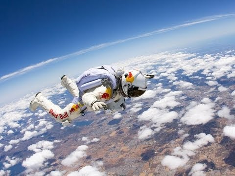Landing Video - Skydiver Felix Baumgartner of Red Bull Stratos