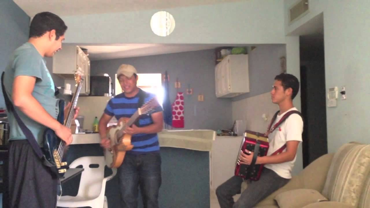 Banda ms amor de cuatro paredes cover youtube for Amor entre 4 paredes