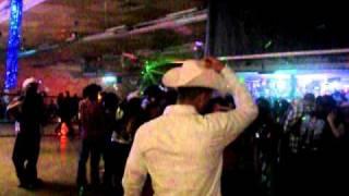 download lagu Baile De Anio Nuevo Club La Sierra En Hobbs gratis