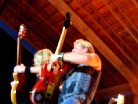 Brad Gillis / Joel Hoekstra Guitar solo [Night Ranger]