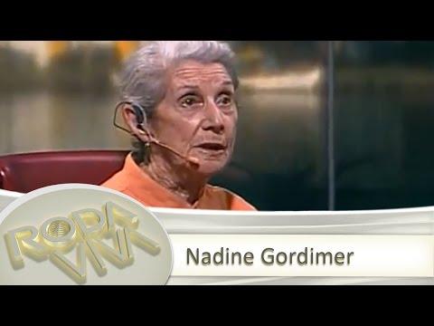 Assista à íntegra da entrevista com Nadine Gordimer