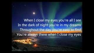 Watch Kenny Chesney When I Close My Eyes video
