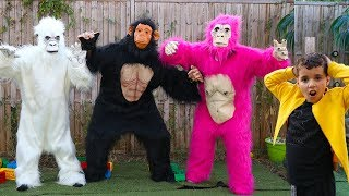 Gorilla escaped, kids Pretend Play ,funny videos for kids, les boys tv