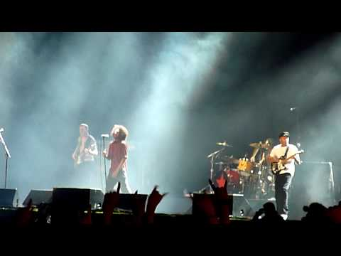 Rage Against The Machine - Testify ~ Bombtrack - Live At Rock Am Ring 2010 - HD