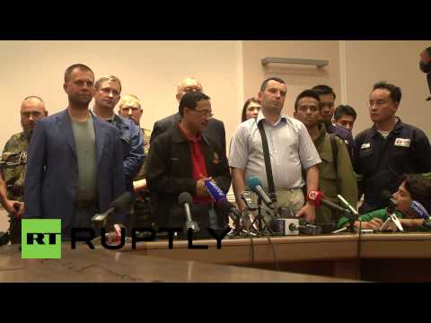 Ukraine: DPR officials hand over MH17 black boxes to Malaysia