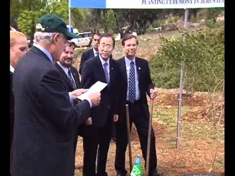 UN Secretary General Plants a Tree