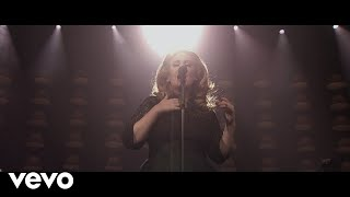 Клип Adele - Set Fire To The Rain (live)