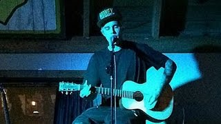 Justin Bieber Video - Justin Bieber Previews New Music at Surprise Acoustic Concert