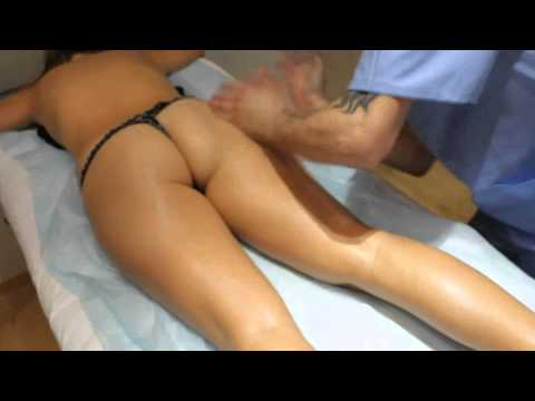 porno-foto-massazh-popki