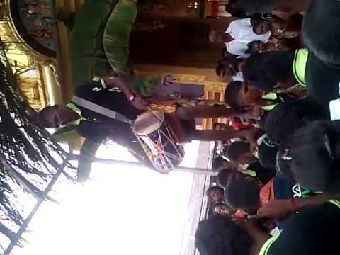 Om Sri Vadabathara Kaliamman Urimi Melam At Batu2 video