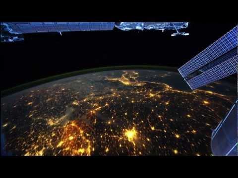 Вид со спутника ночью. Очень красиво!!!