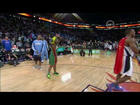 HD-NBA 09 Dunk Contest-Nate Robinson Dunks Over Dwight Howard