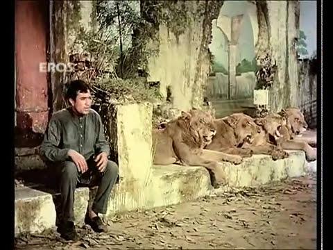Mi Familia elefante Nafrat ki duniya ko song from Haathi mere saathi.mp4