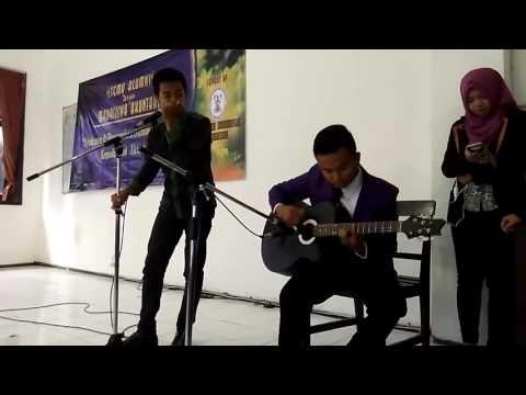 Sebuah lagu Untuk Kakak Wisudawan Wisudawati