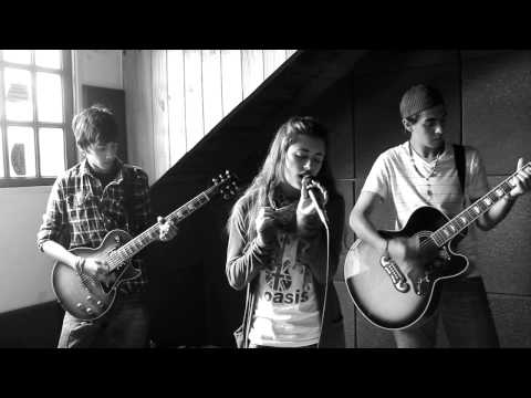 Across The Rain - Un Misil En Mi Placard - Soda Stereo (Cover...