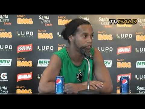 15/05/2013 Entrevista Coletiva: Ronaldinho