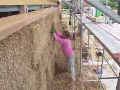 Houses of straw - the rediscovery of strawbale building