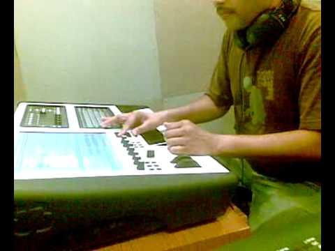 DJ AKS - Bollywood Mix Live Megamix