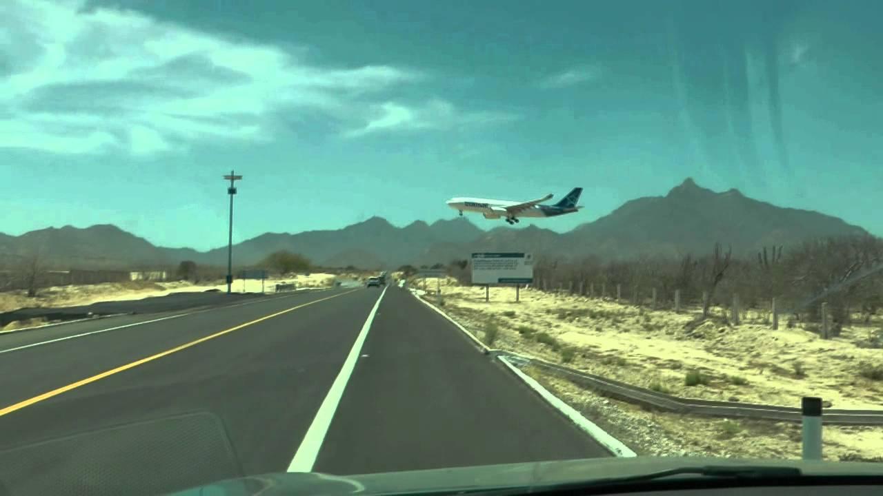 Crazy Airplane Landings Airplane Landing Close to The