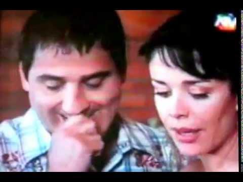 Primer beso de Tatiana y Oscar - VECINOS CARACOL.