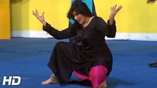 SEEMI KHAN - TEREY JAYE GABRU VE - 2016 STAGE PAKISTANI MUJRA DANCE