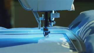 SINGER Futura XL400 Portable Sewing and125 Embroidery Design Machine including 30 BuiltIn Stitches