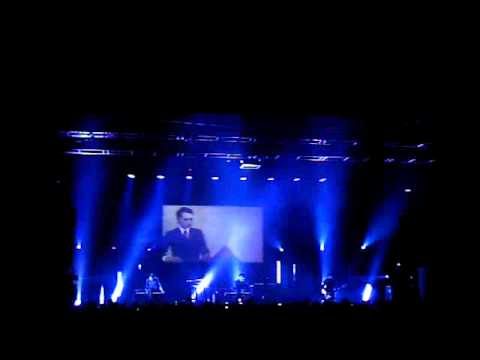 Gary Numan - Observer - Live at the Forum Melbourne