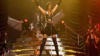 Download Lagu Rihanna - Is this love, Bob Marley (Live Manchester 2008) Gratis STAFABAND