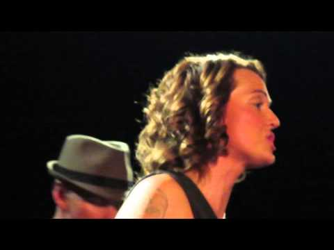 Brandi Carlile - What Can I Say (unplugged) (Islington Assembly Hall, London, 13/02/2013)