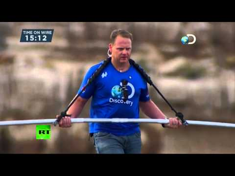 Video: Un atrevido equilibrista cruza el Gran Cañón sin arnés ni red de seguridad