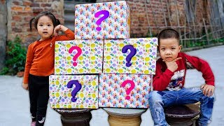 Trò Chơi Đập Hộp Quà Tết Bí Ẩn  - Bé Nhím TV - Đồ Chơi Trẻ Em Thiếu nhi