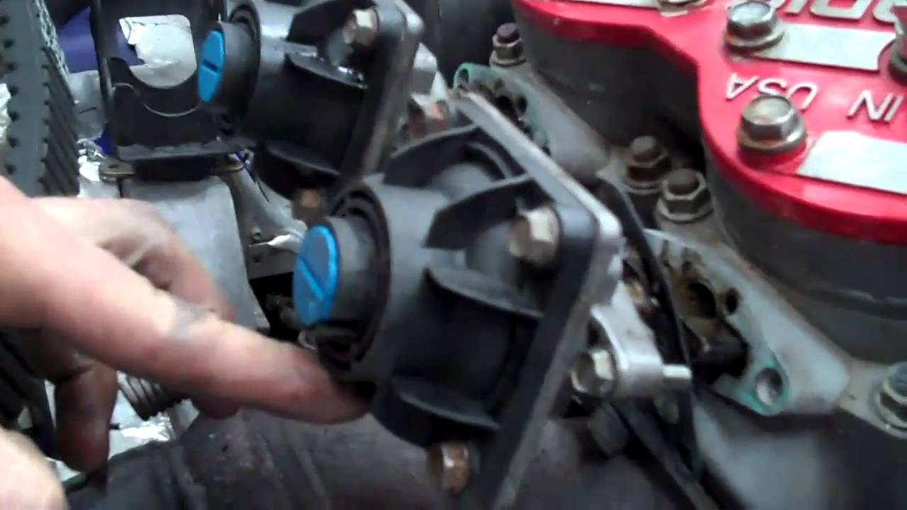 further D Trying Figure Out Lines Fuel Pump Oil Pump Fueloil additionally Motor Bay furthermore Hqdefault as well Zh Uz Dfl Ac Ul Sr. on 2000 arctic cat 500 carburetor kit