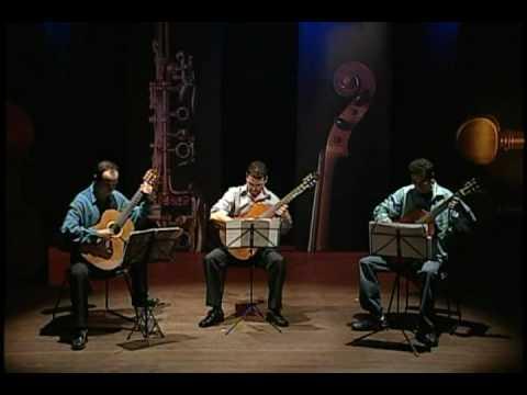 Laurindo Almeida - Brazilliance 1 (Divertimento para três guitarras) - Trio Foco