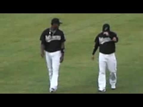 Hanley Ramirez and Alfredo Amezaga warm up Video