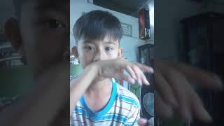 Bé trai  hát karaoke  hay  vẩy