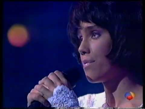 Johanna Polvillo - One Moment in Time (Live) 3