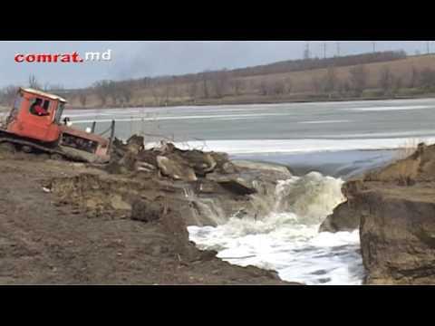 Прорыв плотины на Комратском озере: как это было