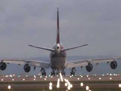 manchester!! airplanes takeoff