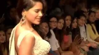 Katrina Kaif snubs John Abraham as Bipasha Basu looks on?